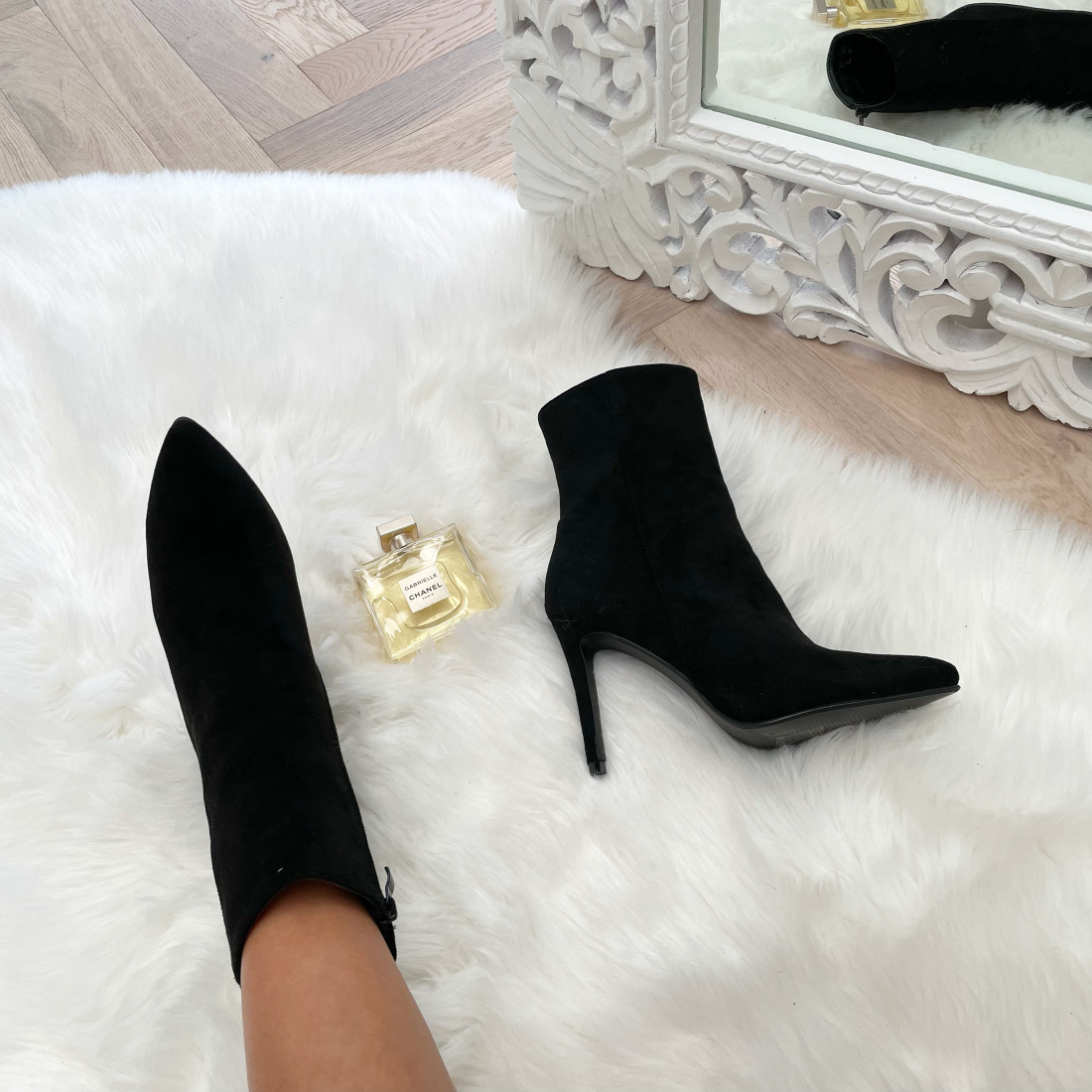 STYLE BY HASSYBA ** BOOTS...